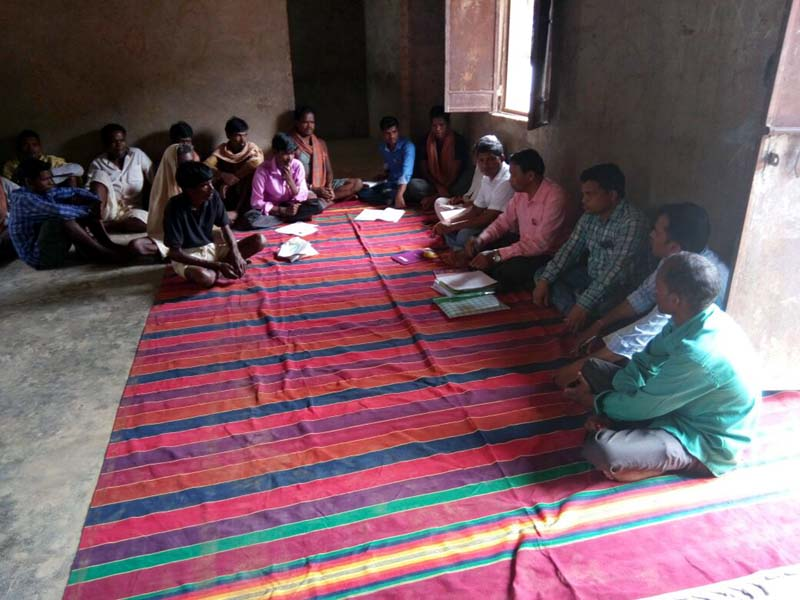 Discussion with Cherchonkhol villagers about model village CBDA Sunabeda-04.jpe