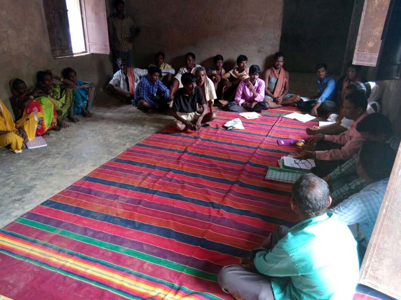 Discussion with Cherchonkhol villagers about model village CBDA Sunabeda-06.jpe