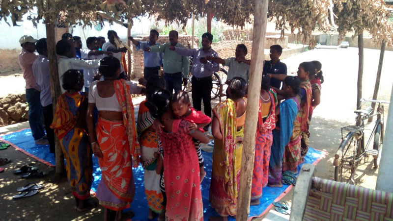 Village level preparatory meeting held at Souraguda DKDA-CHATIKONA and villagers are taken oath to make the village open defecation free as well as model village-01.jpe